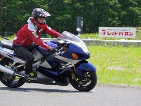プロライダーはバイクの不調を見抜けるか!? レッドバロン「譲渡車検」バイク比較試乗!