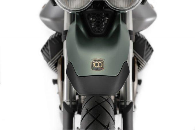 Ra mắt phiên bản kỷ niệm 100 năm của Moto Guzzi V9 Bobber và V85TT